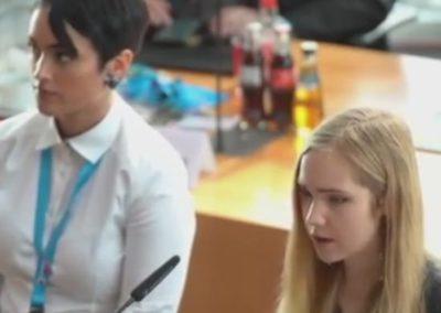 Naomi Seibt fragt nach dem PCR Test von Herrn Drosten